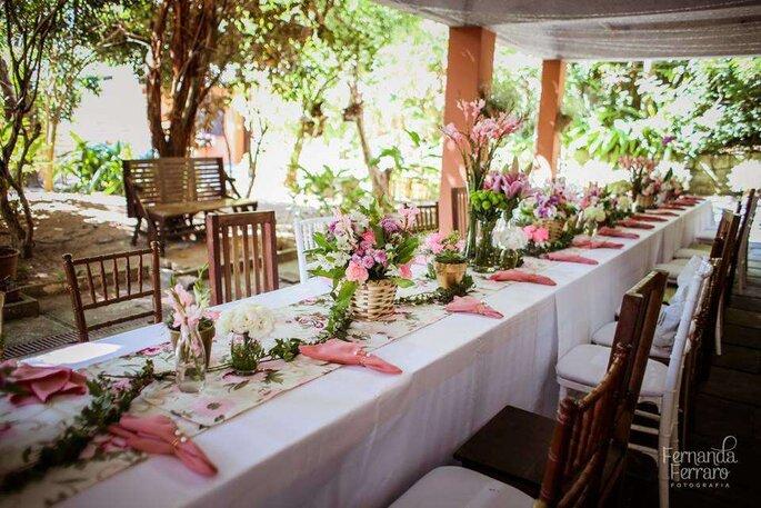 Mesa comunitária para casamento brunch