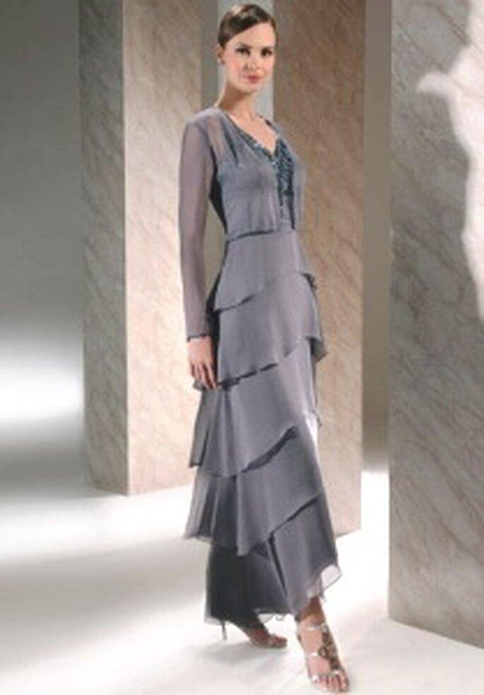 Demetrios 2009 - Robe longue avec jupe en gradins et décolleté en V, veste assorti