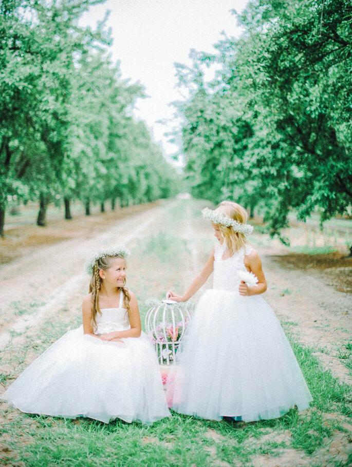 Encantadores vestidos en lindos colores para tus pajes de boda - Foto Amalee Bridal