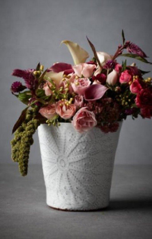Arreglo floral para boda. Foto de BHLDN.