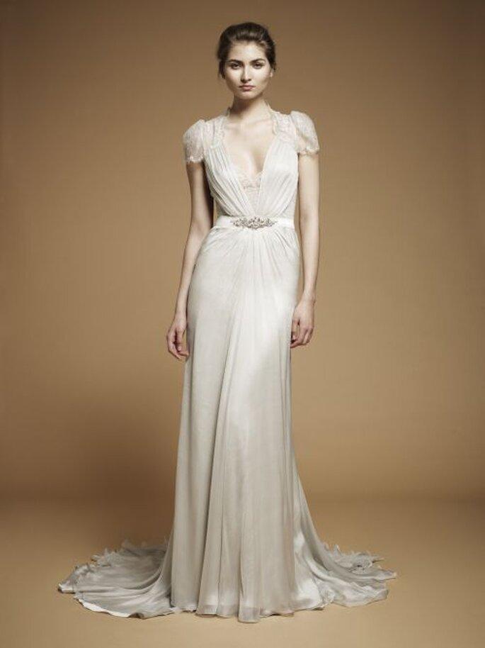 Brautkleider mit langen Roben - Die schönsten Modelle aus der Kollektion für 2013 Foto Jenny Packham Aspen