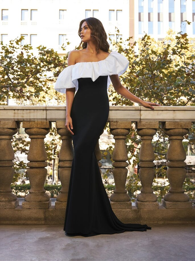 vestido comprido Pronovias preto e branco Pronovias 2021