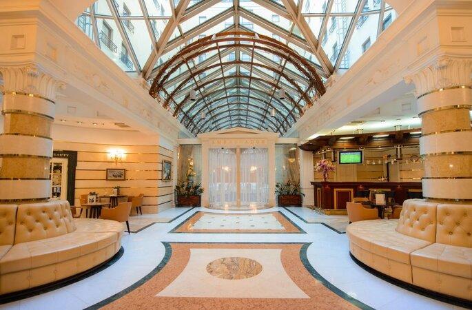 Отель «Амбассадор»