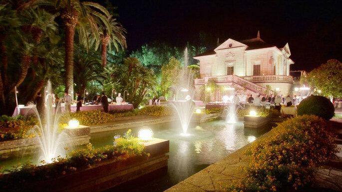facciata della villa con fontane