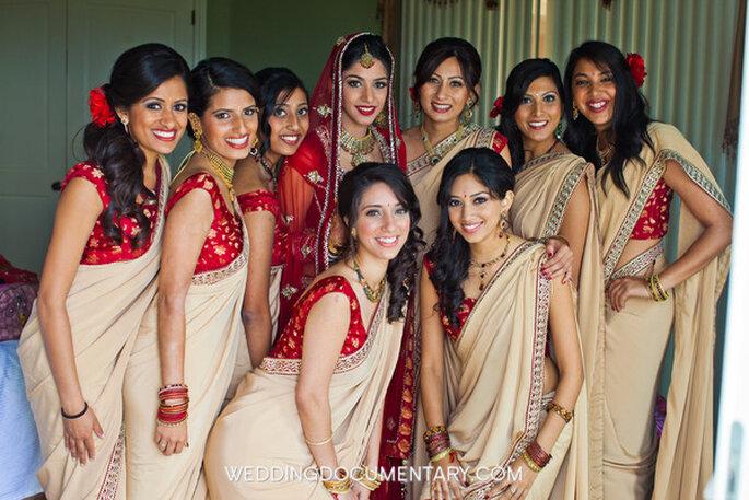 Tus invitados pueden asistir con ropa étnica a tu boda - Foto Wedding Documentary