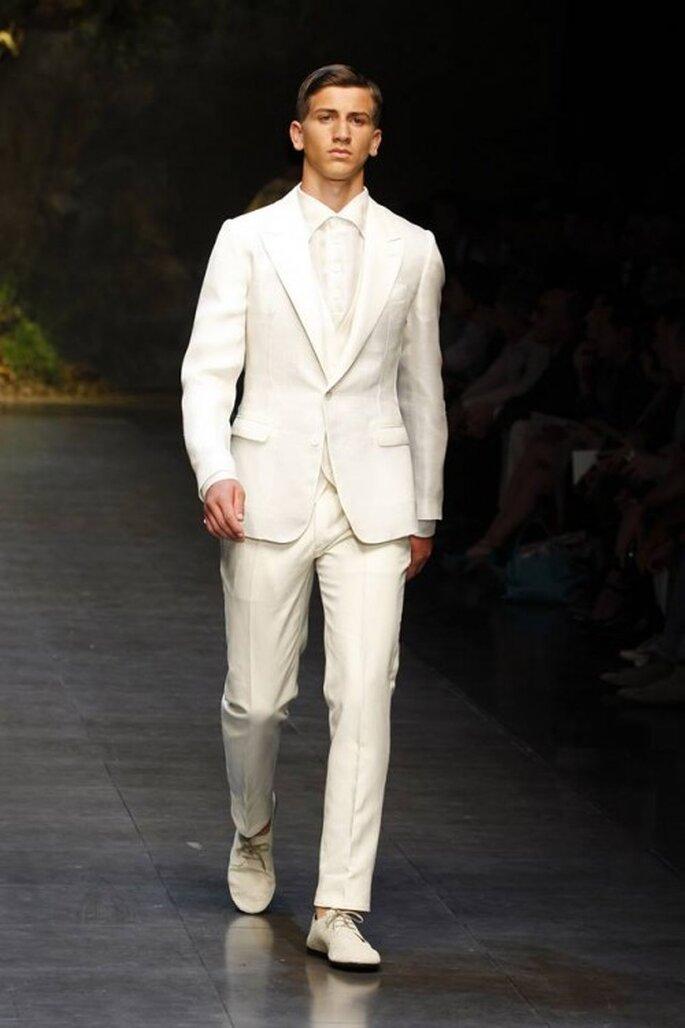 Trajes en color blanco para novio como tendencia para 2014 - Foto Dolce & Gabbana