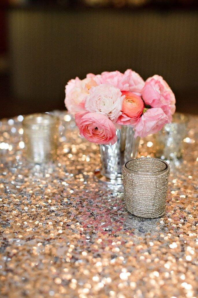 Decoración con glitter y lentejuelas para tu boda - Foto Vero Suh Photography