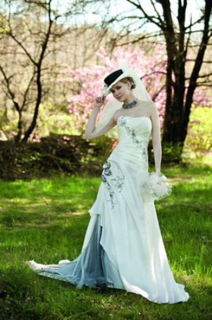 point mariage 2012 des robes de mari e champ tres traditionnelles et tendances. Black Bedroom Furniture Sets. Home Design Ideas