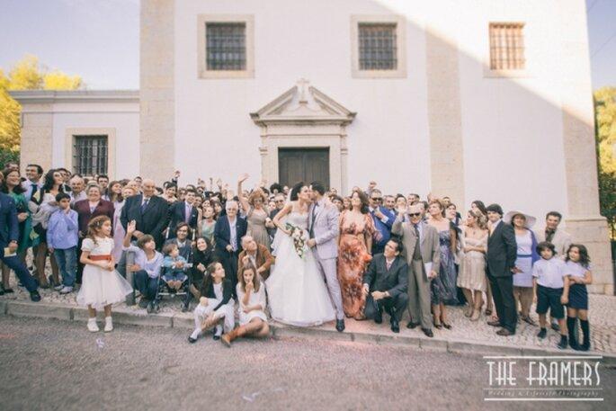 Gli invitati davanti alla chiesa - Foto: The Framers