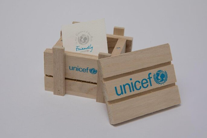 "UNICEF ""Friendly"" - scatolina"