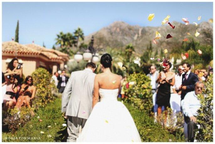 """Bellissimi gli """"scatti rubati"""" dagli invitati agli sposi. Foto Roberto & Maria"""