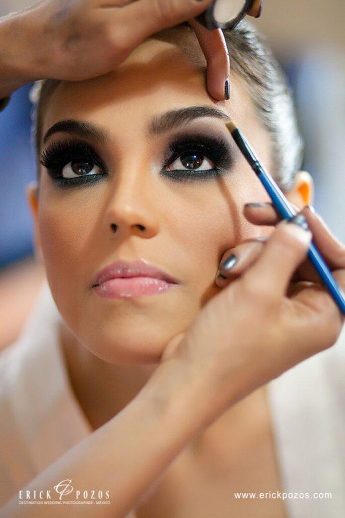 """Smokey Eyes als Braut-Make up ist """"in"""" – Foto: www.erickpozosblog.com"""
