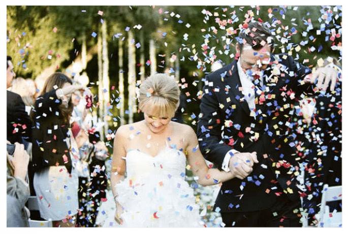 Confeti para lanzar a los novios - Foto Braedon Photography