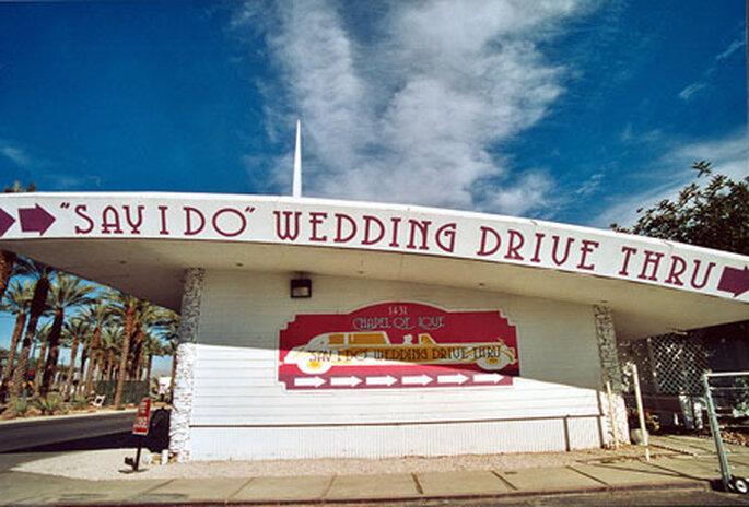 """Avec le """"wedding drive thru"""", pas de perte de temps !"""