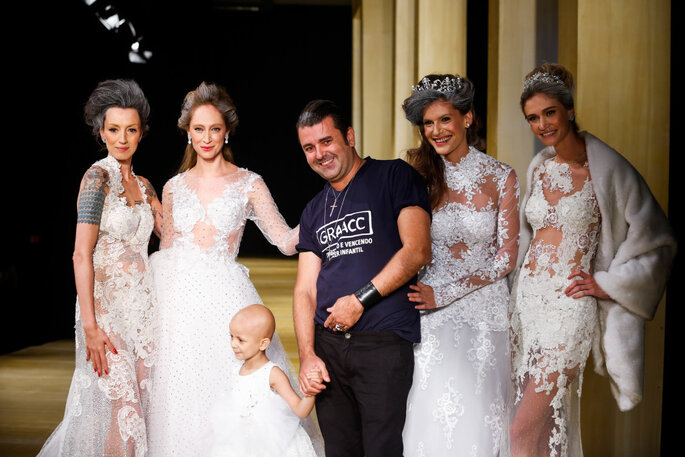 Marina Dias, Thalita Pugliesi, pequena Karine Ribeiro, Geraldo Couto, Carol Francichini e Vivi Orth. Foto: Márcia Fasoli