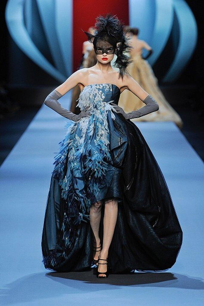 Abito nero con dettagli azzurri by Dior