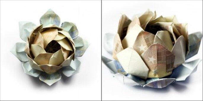 Flores realizadas con billetes - Joyas de Papel