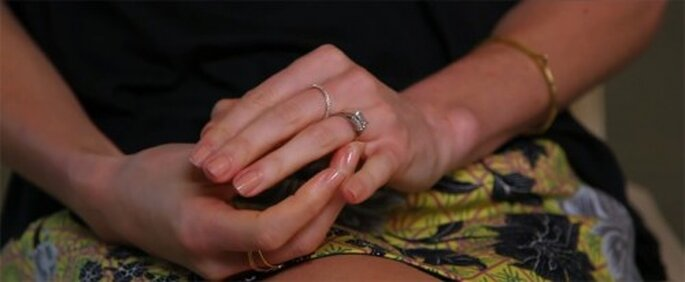 Hermoso anillo de compromiso de Kate Bosworth - Foto Vogue YouTube