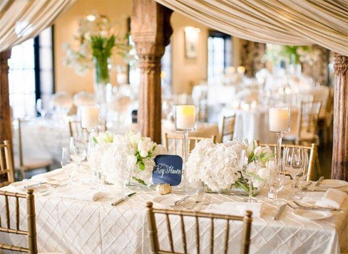 La place des invités à table dépend pour beaucoup de l'ambiance du mariage - Photo : KT Merry