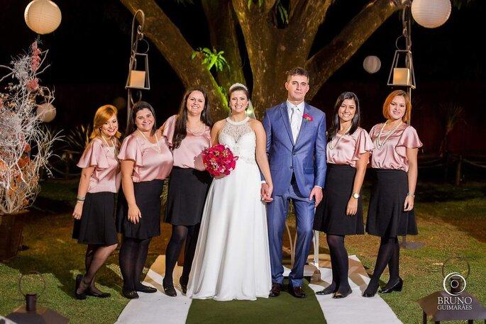 Equipe premiada da Real Eventos com os noivos