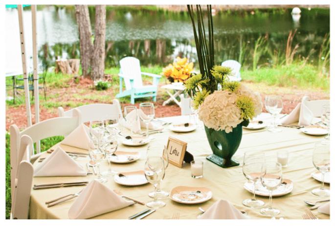 Mesa circular o redonda para el montaje de tu boda - Foto Caroline and Evan Photography