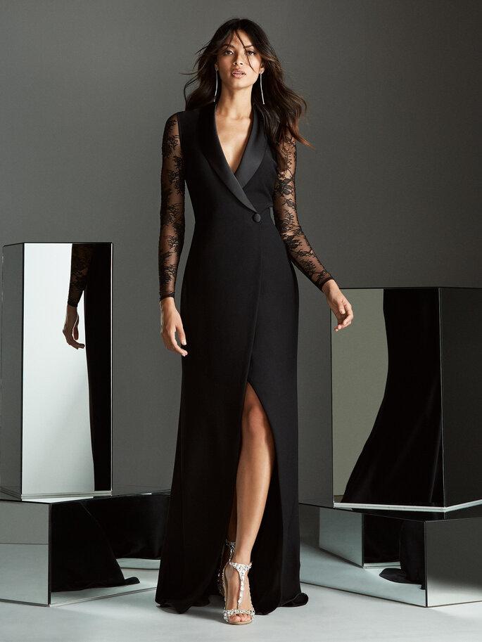Vestido de novia negro de corte sastre y mangas de encaje