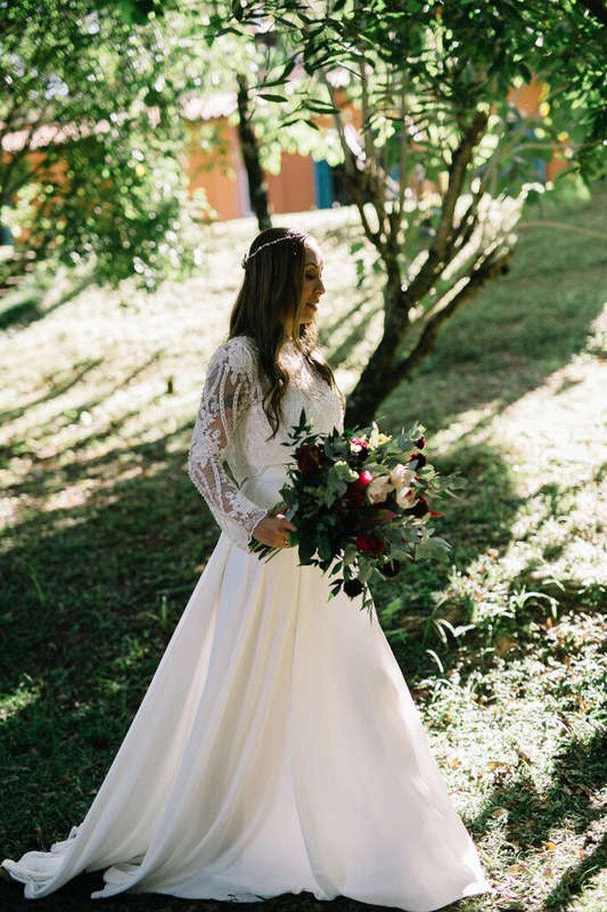 Entrada da noiva cerimônia campo
