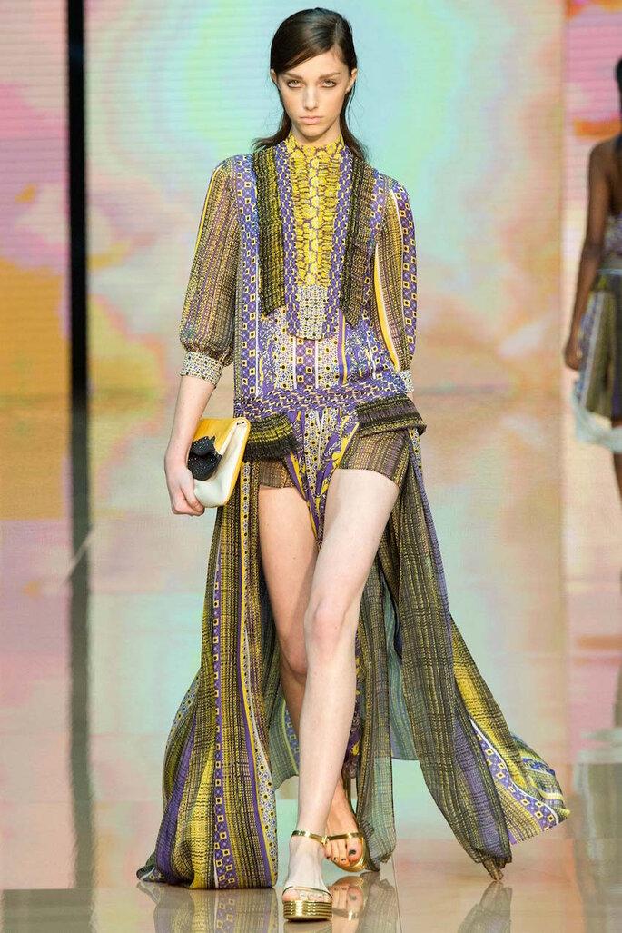Vestidos de fiesta con estampados coloridos inspirados en los años 70 - Just Cavalli Facebook Oficial