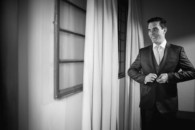 Traje e sapato do noivo: Garbo | Foto: Pri Martins e Tiago Silva