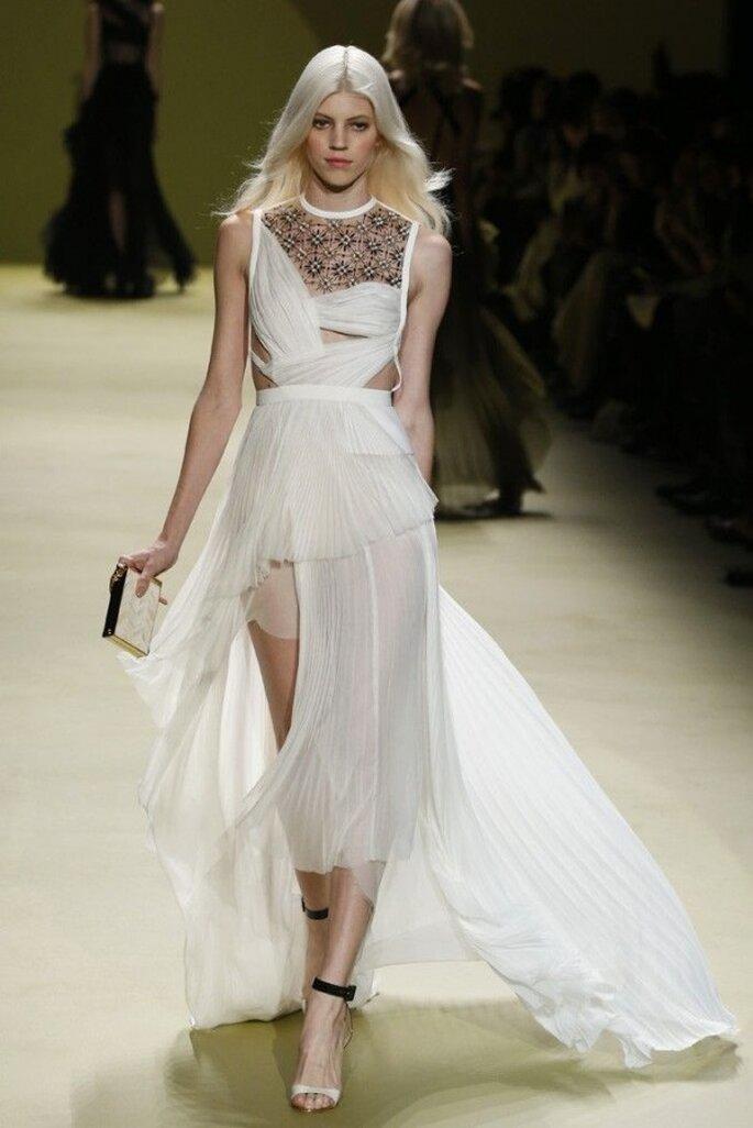 Vestidos de novia poco convencionales para las más fashionistas - Foto J Mendel