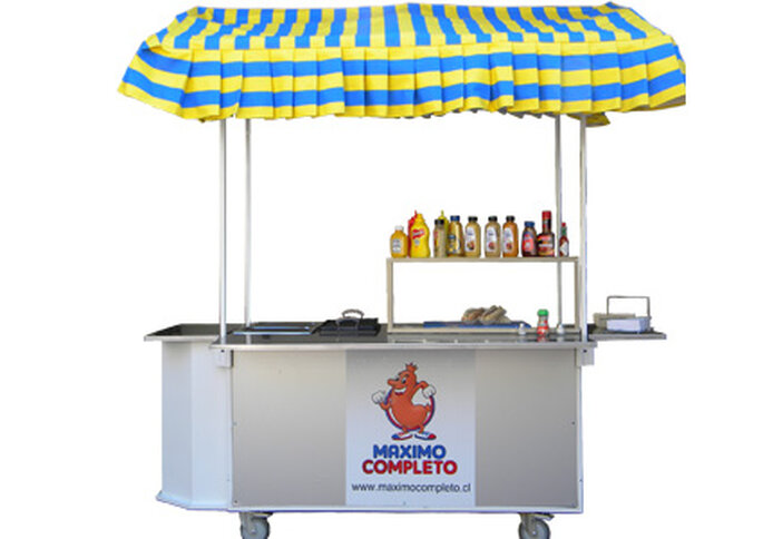 En Maximo Completo llevan su carro de hot dogs a diferentes eventos.
