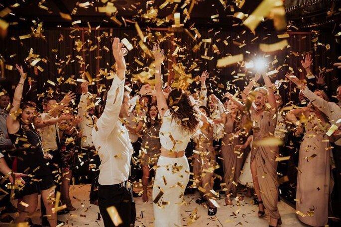 Hochzeitsparty Tanzfläche Konfetti