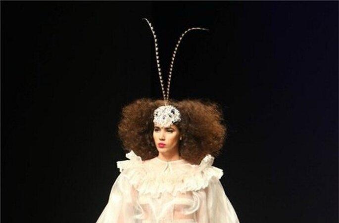 Mariposa sobre el peinado - Colección Franco Quintas 2012