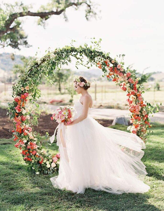 Blumen- und Blätterkränze für die Hochzeit