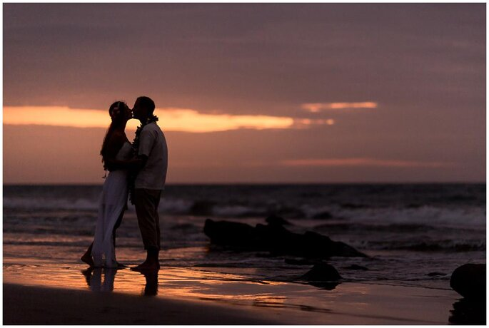 Vero y Rolo Hawaiian Beach Wedding