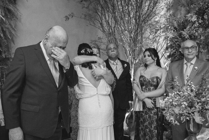 Emoção dos pais da noiva
