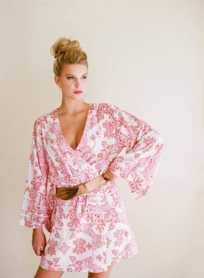 Elegante bata de seda para novias - Foto Plum Pretty Sugar