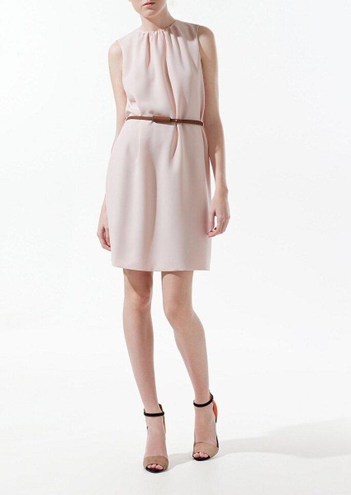 Nude-Look bei Kleidern wirken besonders zart – Foto: Zara