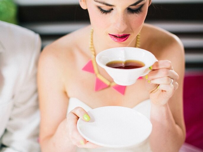 Taza con forma de corazón, para darle un toque romántico a la hora del té... o a tu boda. Foto: Cathrin D'Entremont