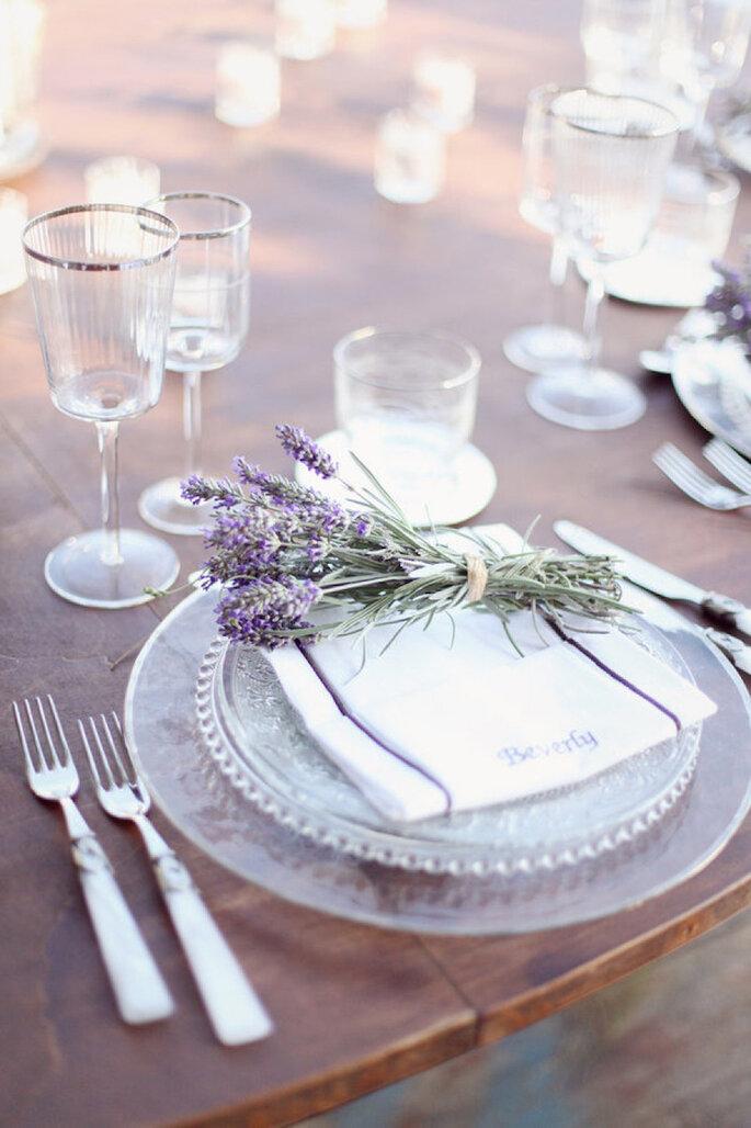 Montaje de mesa con detalles de lavanda - Simply Bloom Photography
