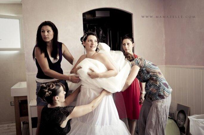 Ein Reifrock bringt das Brautkleid oft besser zur Geltung – Foto: (c)mamazelle.com