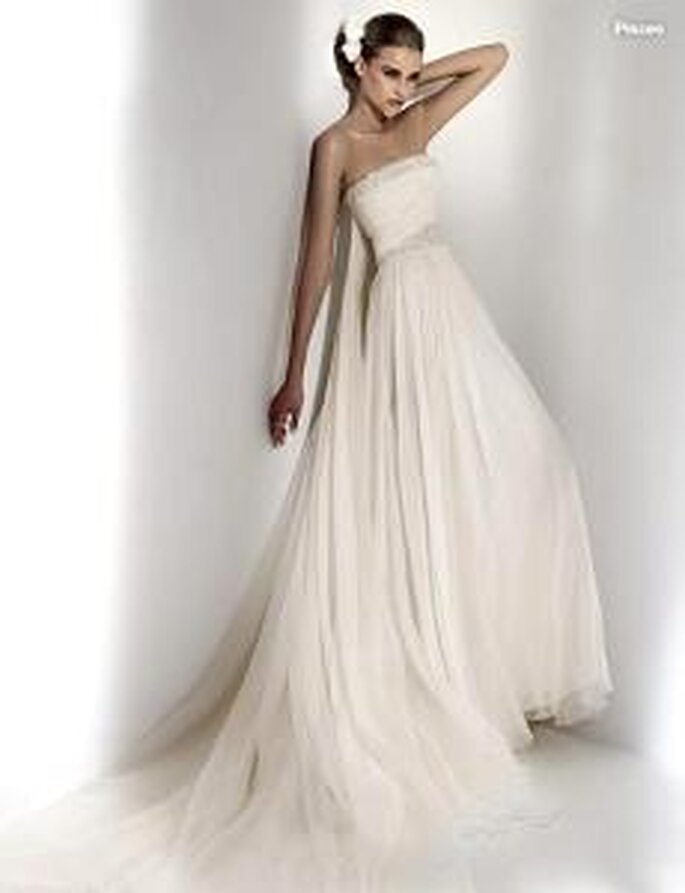 Elie Saab 2010 - Pisces, vestido largo en seda, talle alto, escote bordado palabra de honor recto