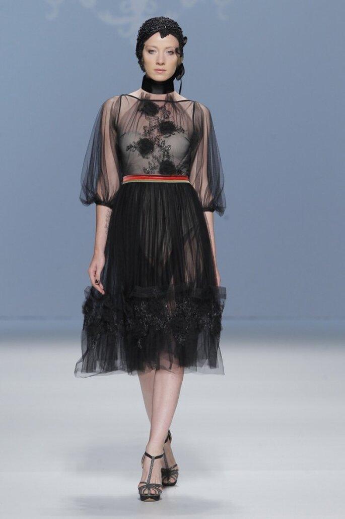 Vestidos de fiesta en color negro con un toque avant garde - Foto M&M