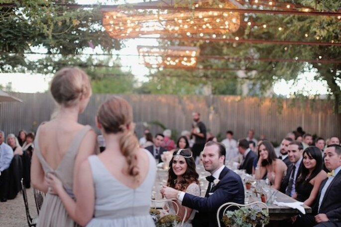 Real Wedding : la mariée dans une robe Reem Acra et un cadre stylé - Photo Traci Griffin Photography