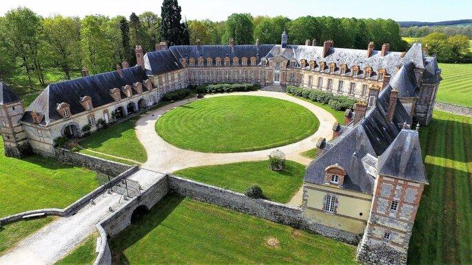Le Château de Neuville, lieu de réception pour votre mariage dans les Yvelines