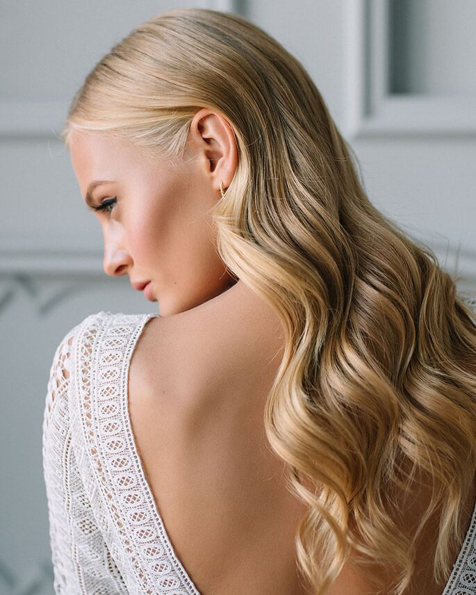 Peinado para dama de honor con textura