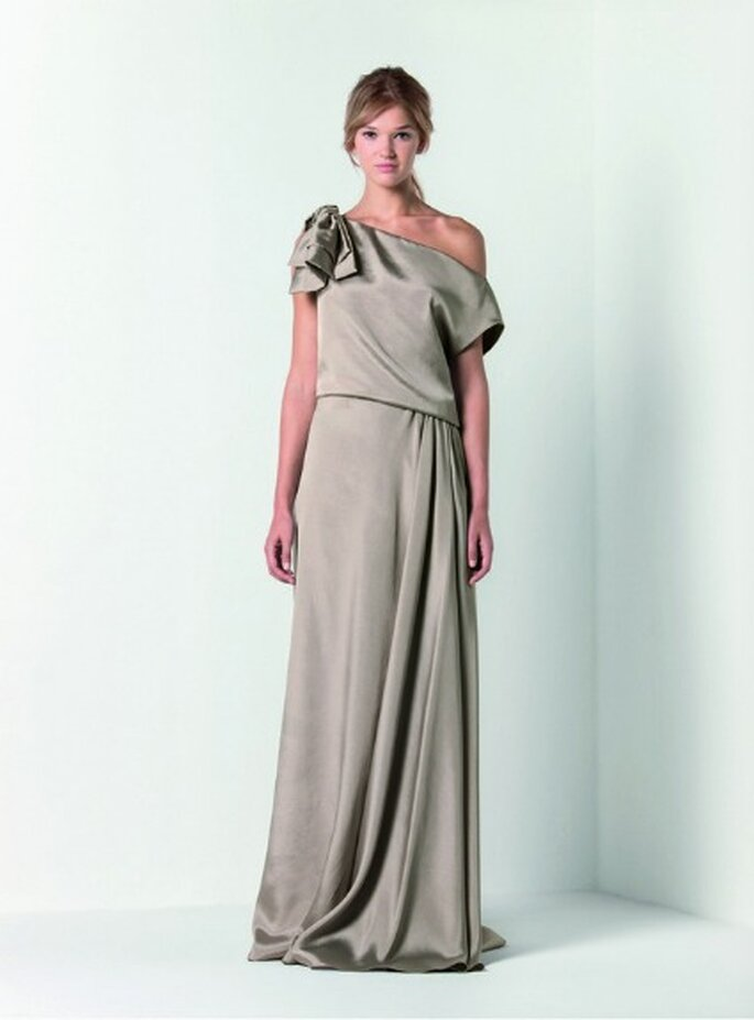 Famoso Max Mara Bridal Collection 2012, minimalismo e lusso in un unico  VQ91