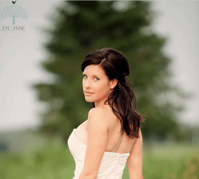 Luce perfecta el día de tu boda con estos 15 tips de maquillaje - Foto Jen Lynne