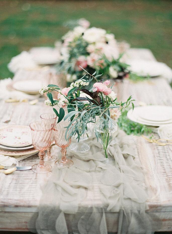 Caminos de mesa para la decoración de boda - Caroline Frost Photography
