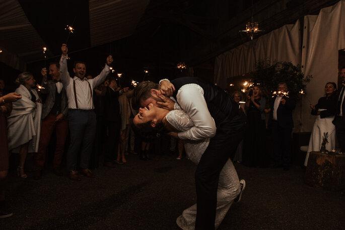 Hochzeitstanz zu Ed Sheeran. Foto: Helen von Saurma Photography